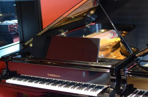 ボールドウィン フルコンサートピアノSD10