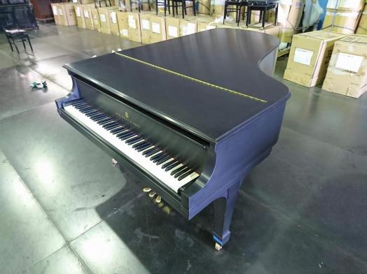 スタインウェイ・B型グランドピアノ