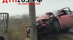 Гранта врезалась в столб, водитель погиб