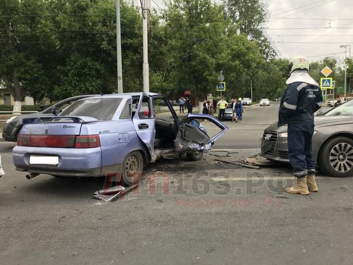 ДТП с пострадавшими на Ново Садовой. 2110 и Ауди