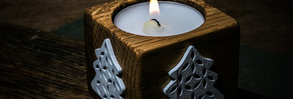 Tea Light with White Spruce motif
