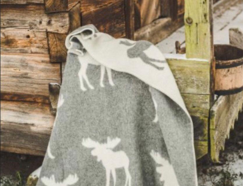 BRIEDIS Woollen Throw Blanket