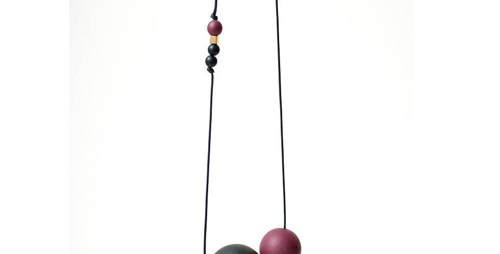 LEVA Necklace