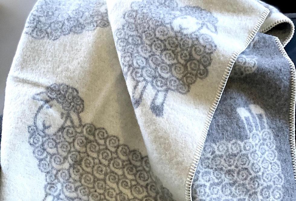 AITA Woollen Throw Blanket