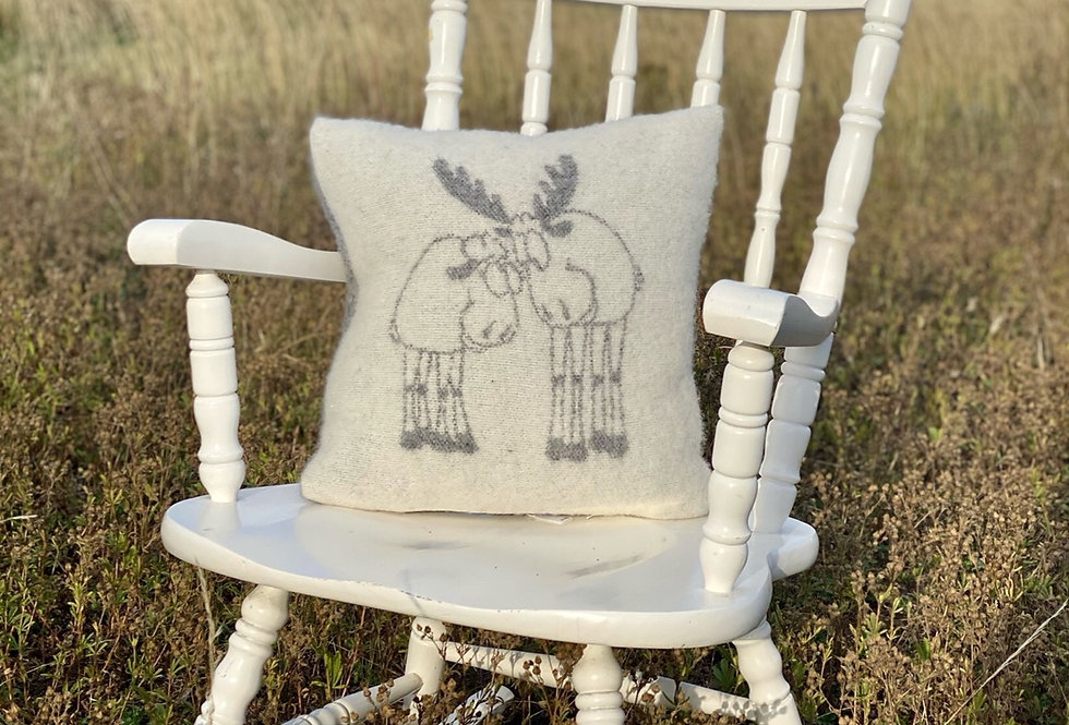 DRAUGI Woollen Cushion