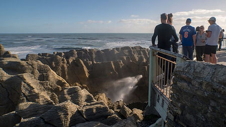 Pancake-Rocks-And-Blowholes-New-Zealand4