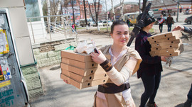 """Субботник в стиле """"Звездных войн"""": борьба за чистоту на Комсомольском проспекте"""