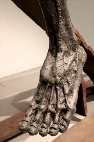 그들의 속성 | Their Attributes (detail) 1995 Bronze and iron 320 x 85 x 188(h) cm
