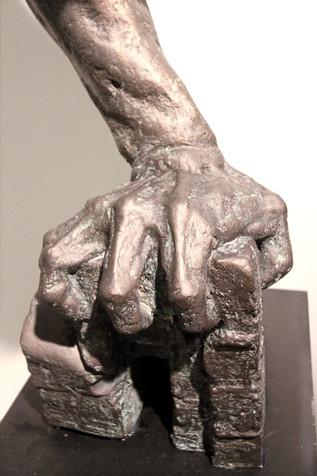 그와의 약속 | Promise with Him (detail) 1991  F.R.P  164x50x108(h) cm