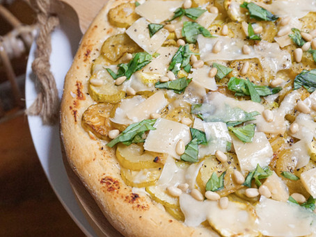 Ma pizza ricotta, courgettes, basilic & parmesan