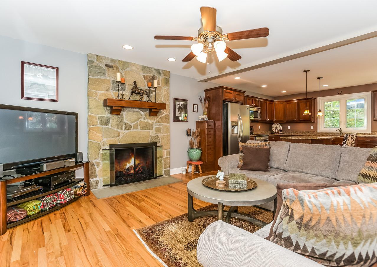 38A Livingroom