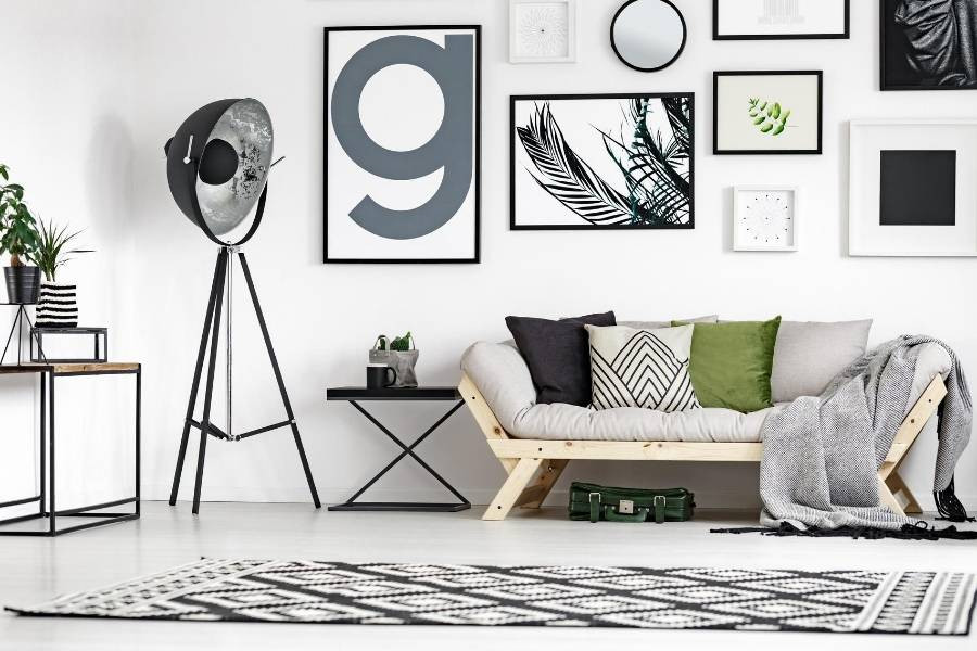 decoracion de sala con cuadros y fotos