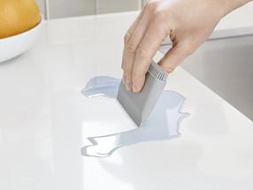 Con esta herramienta de $7 tendrás tus encimeras limpias