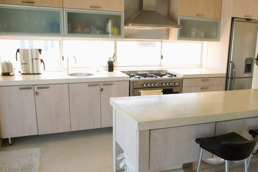 minimalist kitchen for big families