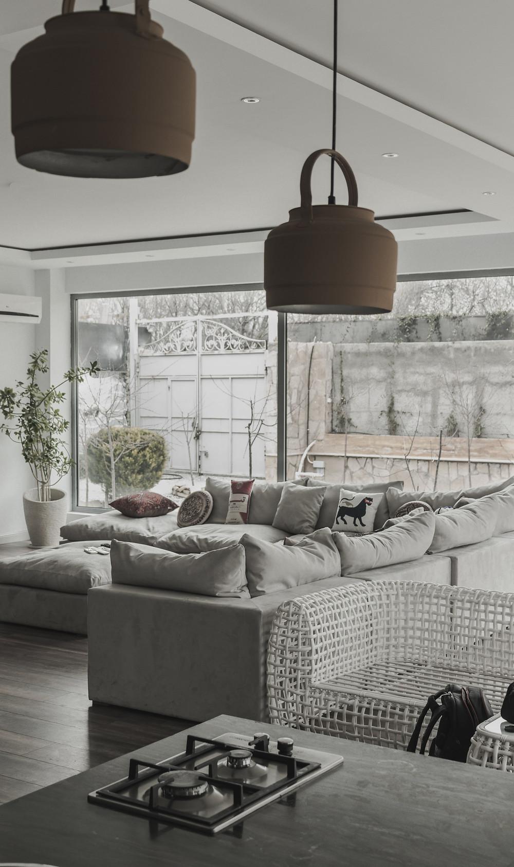 large family home minimalist living room