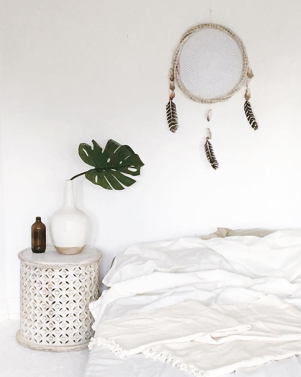 minimalist boho bedroom dreamcatcher