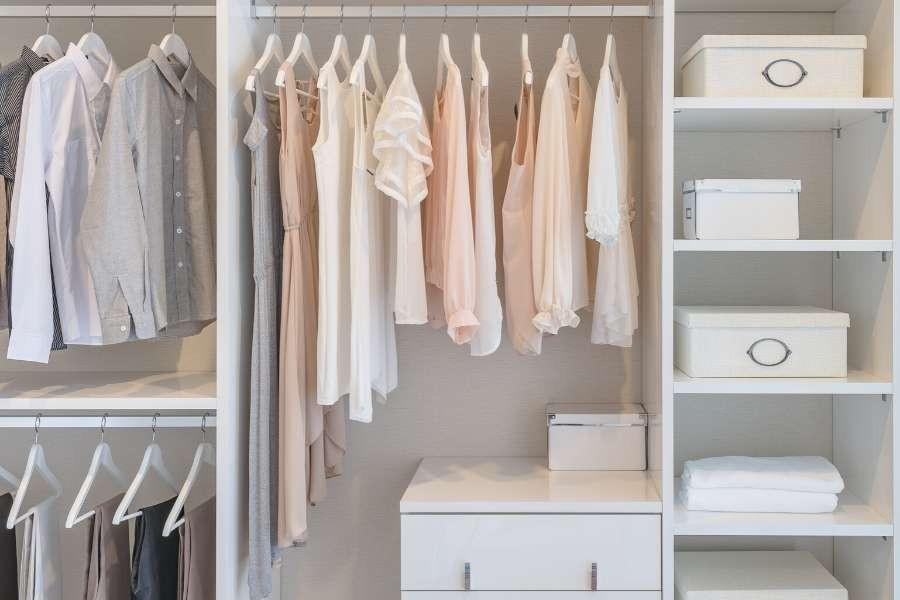 organize closet and dresser minimalism