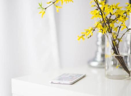 A minimal smartphone