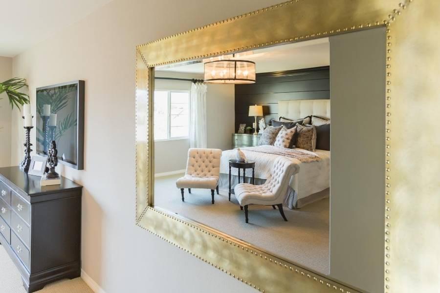 decoracion de dormitorio con espejos