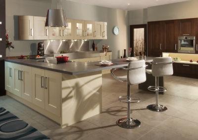 clonmel-oak-wenge-cream-kitchen-hero-A-4
