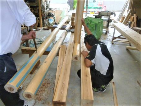 茶室 丸柱と丸桁の加工