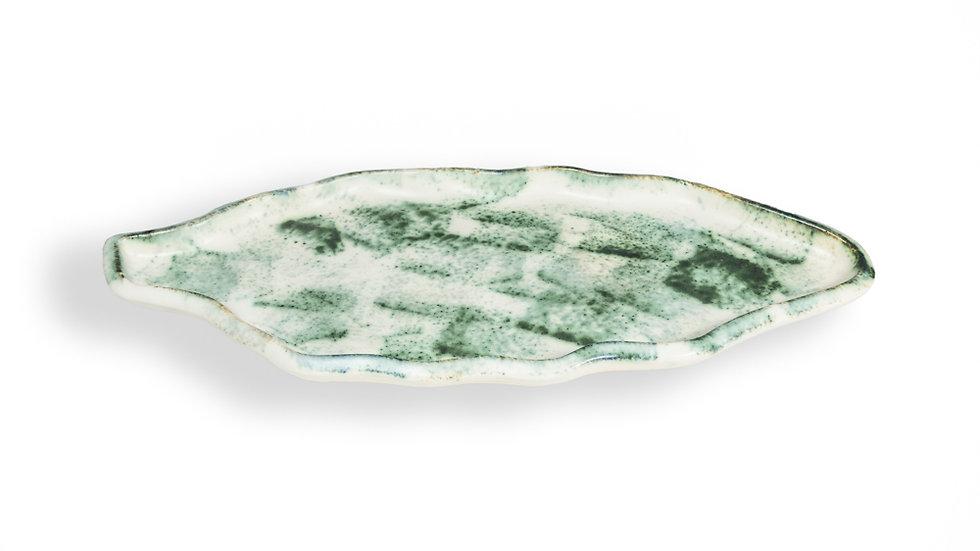 Platón en forma de hoja detalles verdes Casa Apló