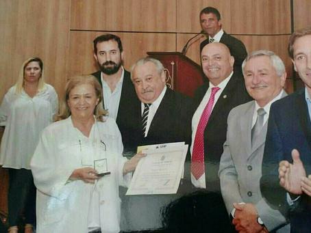 Premio a la Dra. Norka Jordán Santa Cruz