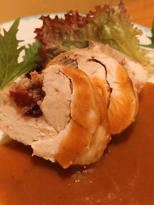 Poitrine de poulet farcie et sauce / Stuffed chicken breast and gravy