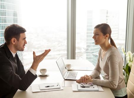 Como dirigir o comportamento do entrevistado em uma investigação?