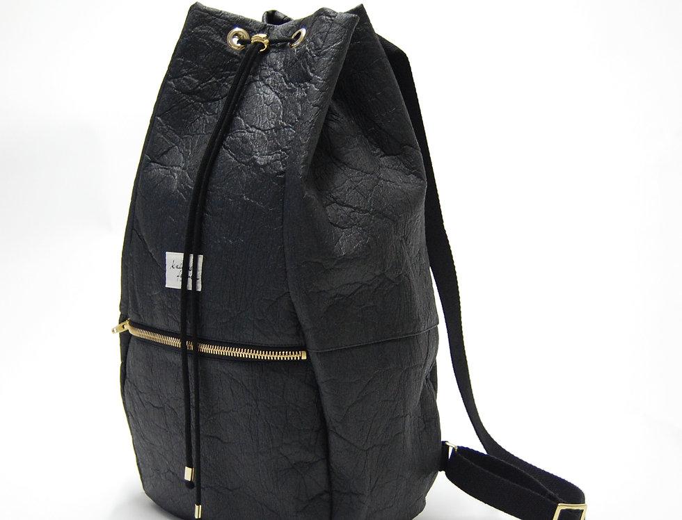 "backpack ""pineapple"" /charcoal black (100% pinatex©)"