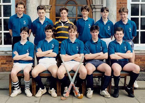 schoolhockeysix1990.jpg