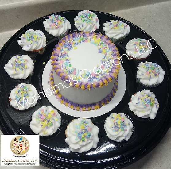 Small cake with 12 cupcakes