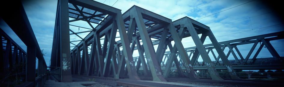 Eisenbahnbruecken_V600.jpg