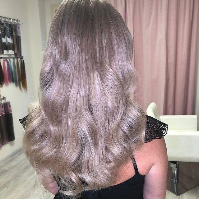 Prodloužení, barva a přeliv na vlasy pře