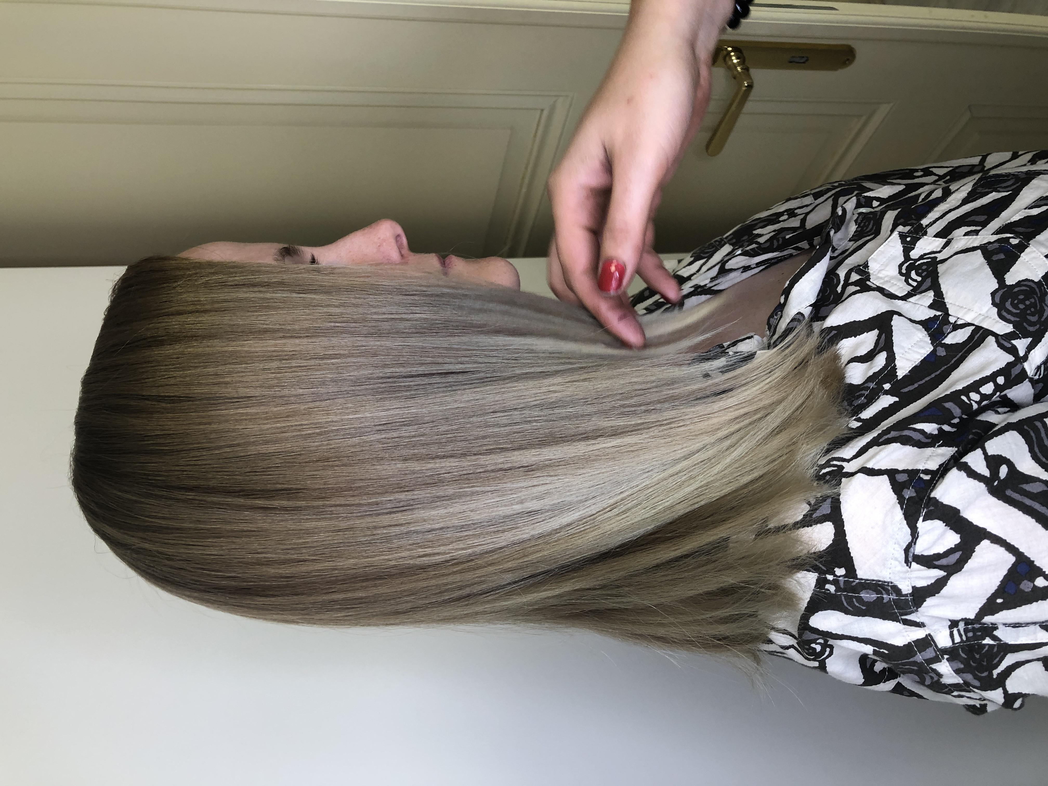 šedá blond