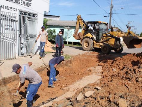 Prefeitura intensifica obras de recuperação de vias no município