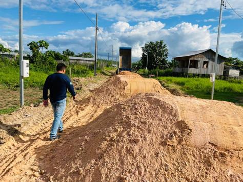 Prefeitura de Tarauacá limpa e recupera ruas do Bairro Ipepaconha