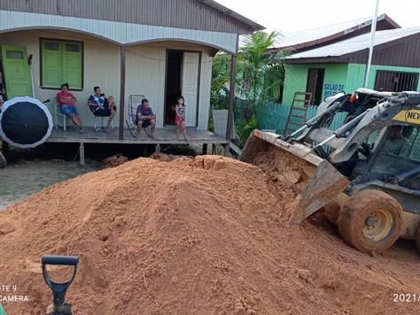 Prefeitura de Tarauacá recupera ruas de terra na cidade