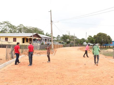 Prefeitura garante pavimentação e leva benefícios para os moradores da Vila São Vicente