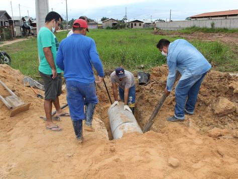 Prefeitura constrói bueiros em Tarauacá; obra irá melhorar trafegabilidade e o acesso dos moradores