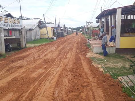 PREFEITURA DE TARAUACÁ AVANÇA COM TERRAPLANAGEM PARA PAVIMENTAÇÃO DA RUA PAULO LINS