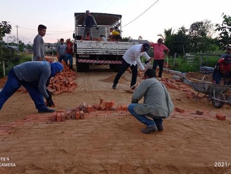 Prefeitura avança com serviço de pavimentação na Comunidade São Vicente