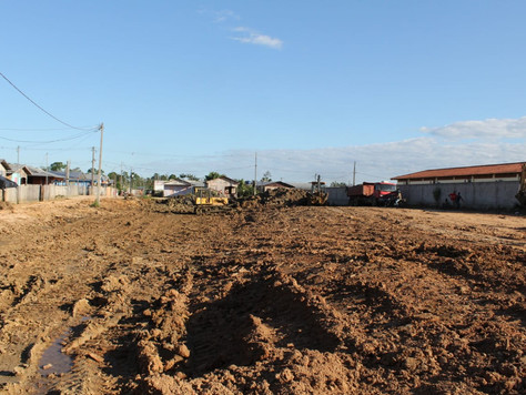 Obras avançam no Esperança e transformam bairro em canteiro de obras
