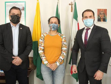 Prefeita Maria Lucinéia recebe visita de promotor e Secretário Geral do Ministério Público do Estado