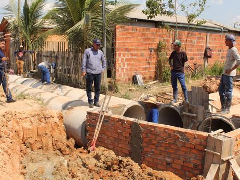 Prefeitura intensifica obras de drenagem no bairro Novo
