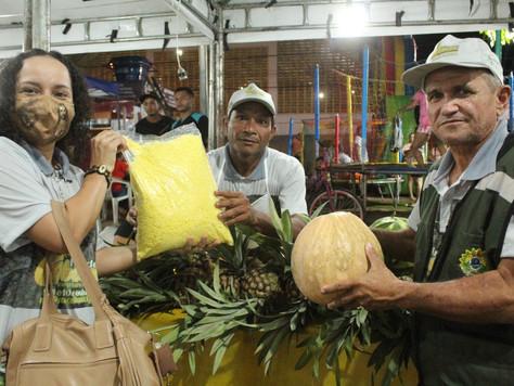 Primeira noite da Feira do Abacaxi e Agricultura Familiar foi um sucesso em Tarauacá