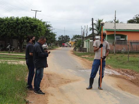 Prefeitura de Tarauacá inicia topografia nas ruas do bairro Ipepaconha