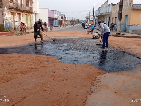 Prefeitura de Tarauacá segue recuperando ruas