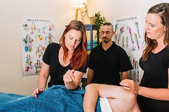 Deep_Kneads_Massage-5.jpg