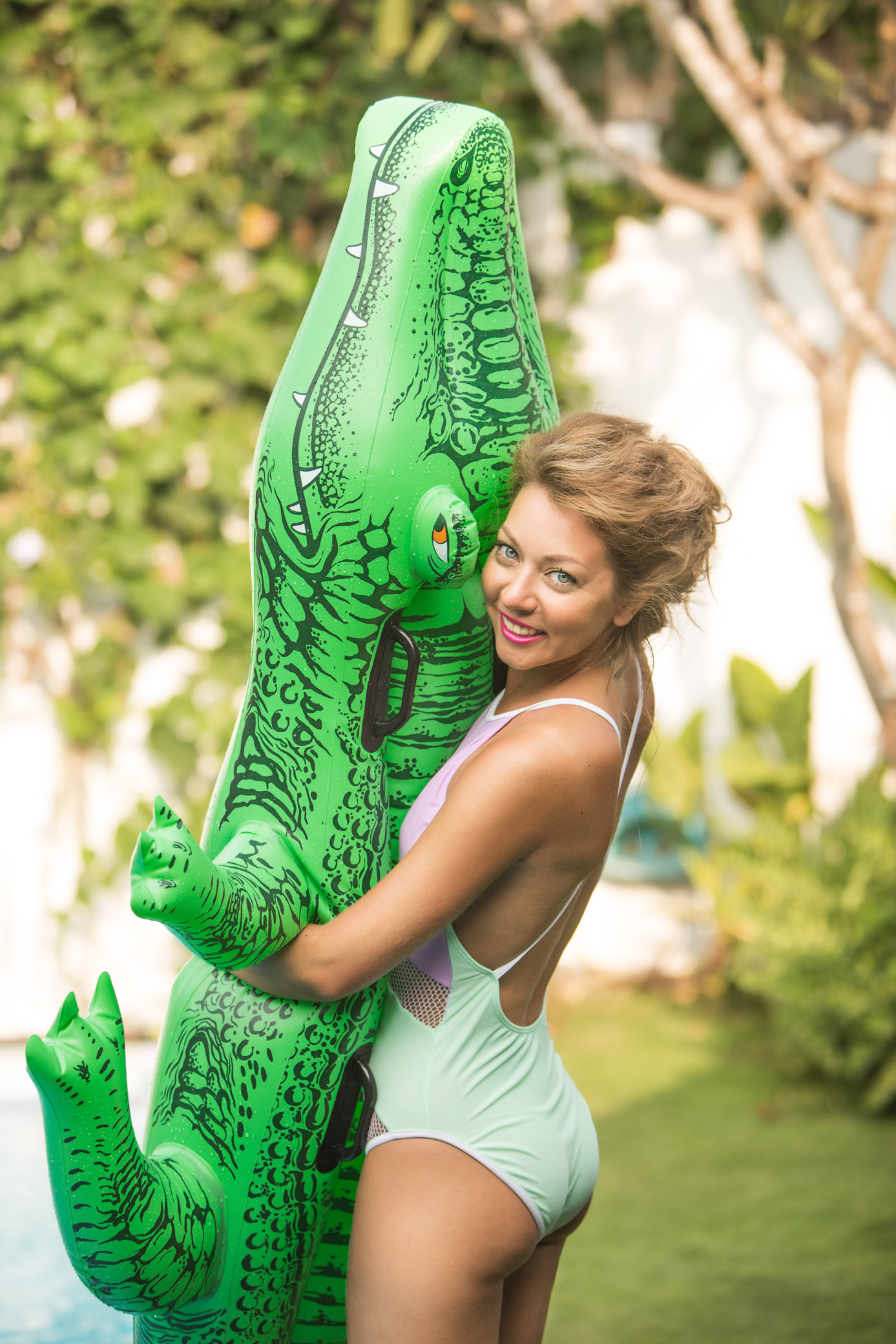 Photoshoot with inflatable crocodile